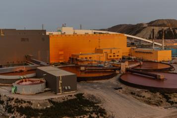 Grève chez ArcelorMittal Le ministre Boulet inquiet des répercussions économiques)