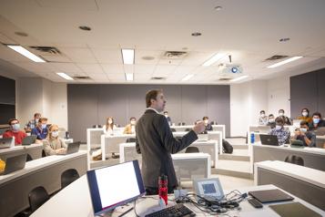 MBA Les cours en ligne, là pour de bon? )