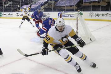 Penguins Kasperi Kapanen s'approche d'un retour au jeu)