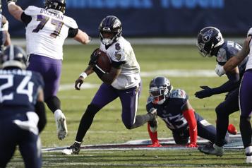 Les Ravens battent les Titans20-13 au premier tour)