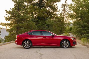 Acura Les rivales de l'Acura TLX et l'opinion des propriétaires)