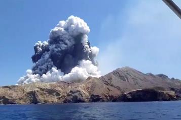 Volcan en Nouvelle-Zélande: cinq morts et huit disparus