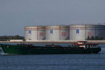 Baisse des stocks de brut Le pétrole au plus haut depuis mars)
