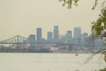 La fumée des incendies de l'Ouest visible jusqu'au Québec)