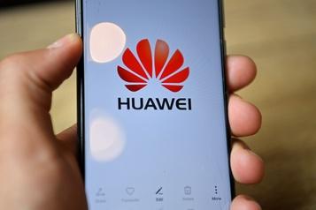 Huawei: Londres s'est fait «berner» par les Américains, accuse Pékin)