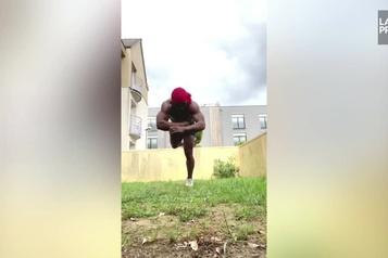 La routine incroyable d'un artiste du Cirque du Soleil)