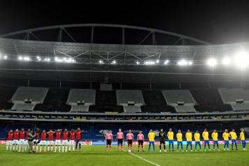 65 cas positifs à la COVID-19 détectés à la Copa America au Brésil)