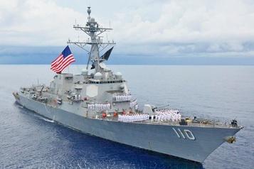 Le Venezuela proteste contre la présence d'un destroyer américain près de ses côtes)