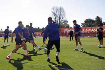 Les clubs de Liga reprendront l'entraînement collectif lundi)