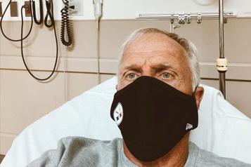 Positif à la COVID-19 Le golfeur Greg Norman de retour à l'hôpital)