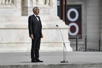 Andrea Bocelli dit avoir été malade du coronavirus)