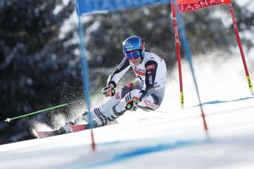 Slalom géant de Jaska Petra Vlhova s'impose à la maison)