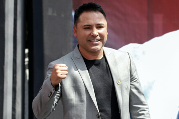 Boxe Oscar DeLa Hoya est atteint de la COVID-19)