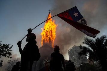 Le peuple chilien se dotera-t-il d'une nouvelle Constitution? )