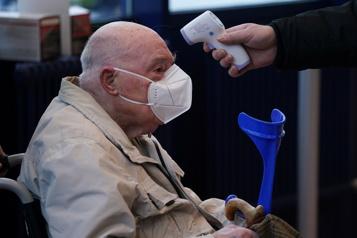 Le bilan de la pandémie dans le monde: plus de 2031000 morts)