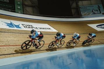 Cyclisme sur piste Les Canadiennes remportent l'or à la poursuite par équipe)