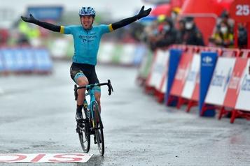 Tour d'Espagne Ion Izagirre gagne la sixième étape, le Canadien Michael Woods2e)