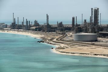 Pétroleen Arabie: la moitié de la production suspendue pour un mois, selon S&P Platts