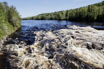 Un hydravion blesse un kayakiste de 12ans à l'amerrissage en Outaouais)