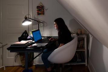 Enseignement universitaire en ligne «Il n'y a plus de frontière entre la vie privée et les études»)