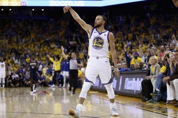 NBA Stephen Curry prolonge avec les Warriors, Carmelo Anthony aux Lakers)
