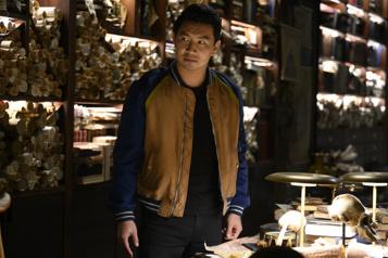Le superhéros Shang-Chi reste en tête du box-office)