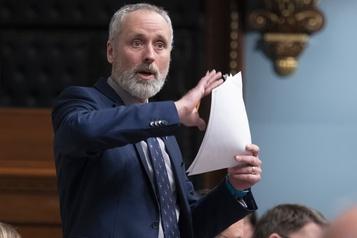 Projet de loi66 Un cheval de Troie, accuse Québec solidaire)