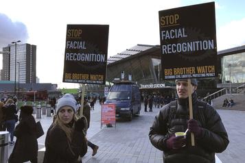 Des groupes demandent à Ottawa d'interdire la reconnaissance faciale)