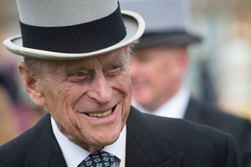 L'hospitalisation du prince Philip est due à une infection)
