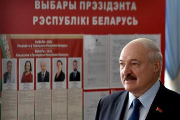 Biélorussie: Loukachenko donné en tête après une présidentielle tendue)