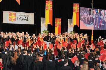 Une cérémonie de collation des grades virtuelle pour l'Université Laval)