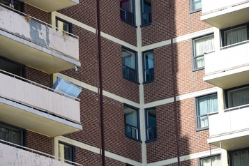 Un climatiseur chute et tue une enfant à Toronto