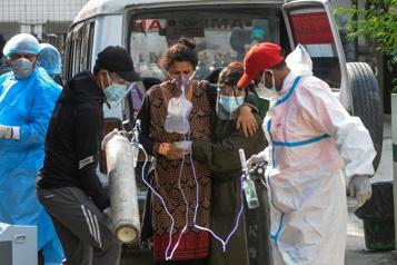 COVID-19 Le Népal, en «situation de crise», flanche)