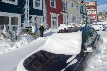 Terre-Neuve: St.John's sous la neige, des militaires seront déployés