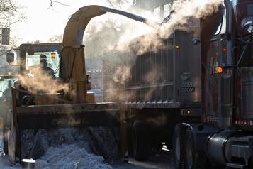 Chargement partiel de la neige à Montréal