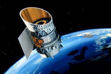 Deux vieux satellites se frôleront à 54000km/h au-dessus des États-Unis ce soir