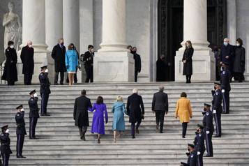 Biden s'apprête à prêter serment au Capitole)