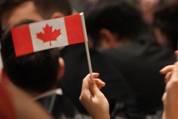Ottawa vise plus de 1,2million de nouveaux résidents permanents en trois ans)