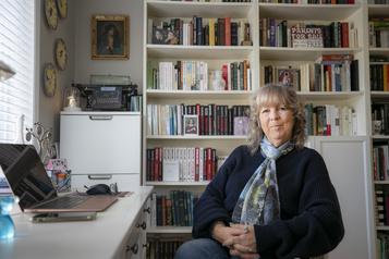 Louise Tremblay-D'Essiambre Derrière les chiffres, les lettres)