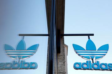 Adidas voit le bout du tunnel après une perte opérationnelle au deuxième trimestre)