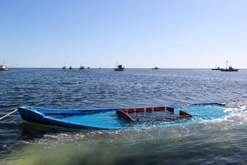 Au moins 21morts dans un naufrage de migrants en Tunisie)