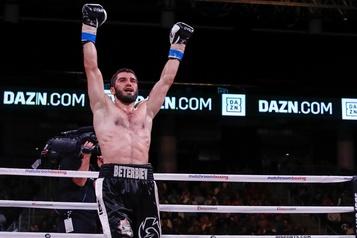 Artur Beterbiev unifie les titres IBF et WBC