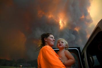 Incendies en Australie: le niveau d'alerte reste élevé