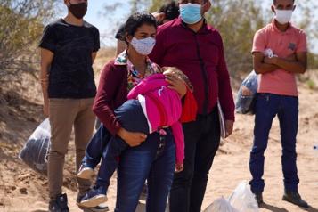 Biden reporte son projet d'augmenter les admissions de réfugiés)