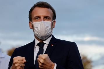 COVID-19 en France Macron va présenter mercredi un nouveau durcissement des mesures)
