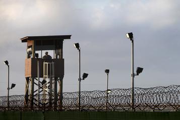 Un ancien commandant de Guantanamo condamné à deux ans de prison)