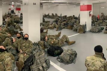 Washington La décision de faire dormir des soldats dans un stationnement crée l'indignation)