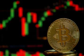 Le dollar US stable, le bitcoin stimulé par Musk)