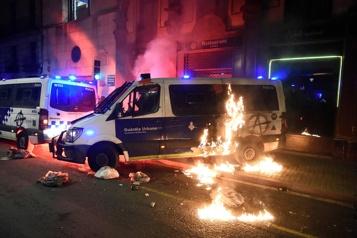 Arrestation d'un rappeur en Espagne Nouvelles échauffourées à Barcelone)