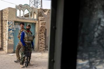 Afghanistan Des combats entre forces afghanes et talibans endommagent l'aéroport de Kandahar)